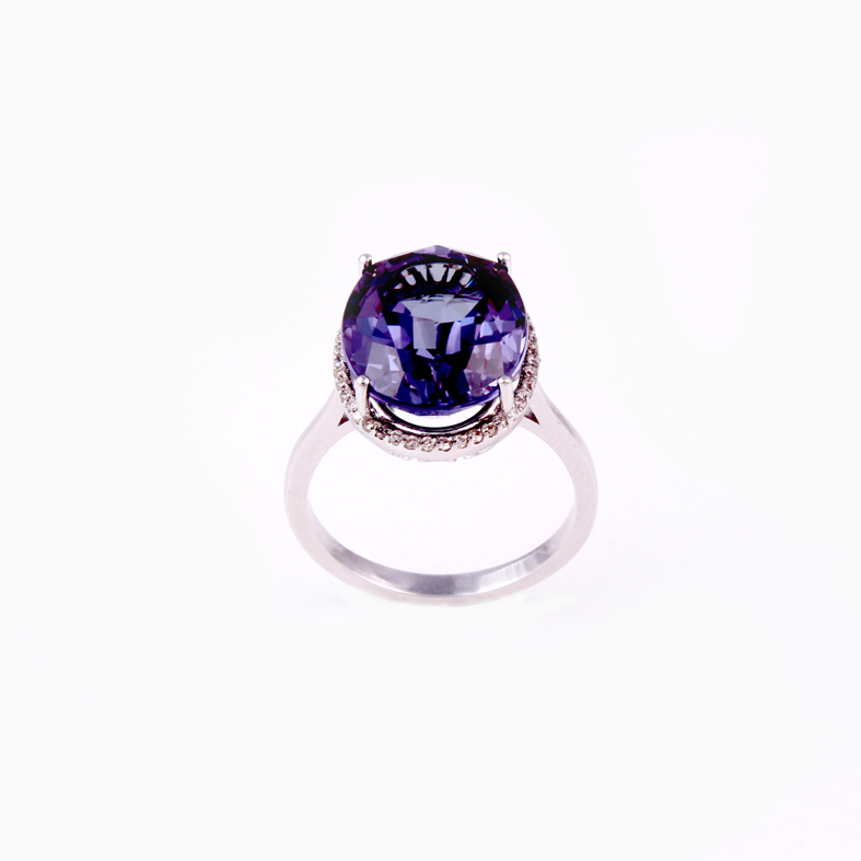 R413 White gold ring with 0 16ct Diamonds and Alexandrit