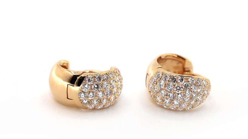 women-diamond-earrings